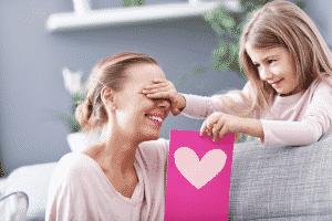 Une bougie parfumée pour la fête des mères